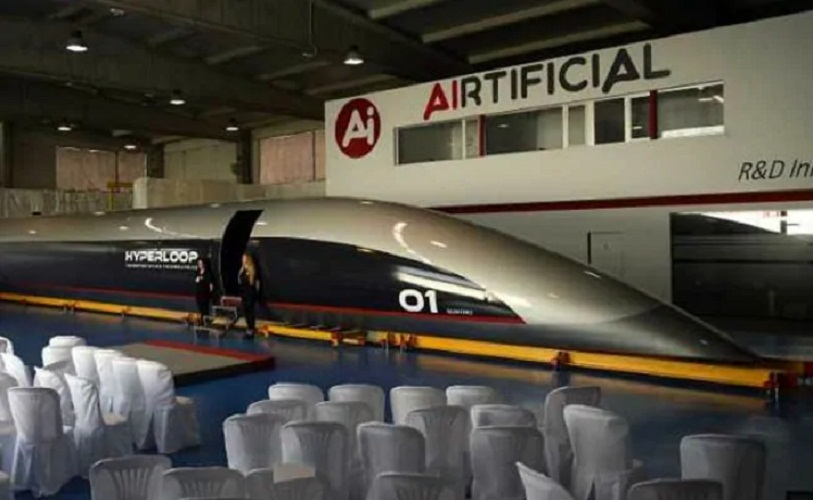 Hyperloop TT unveils world's first full-scale passenger Capsule in Spain | US.tnbclive.com