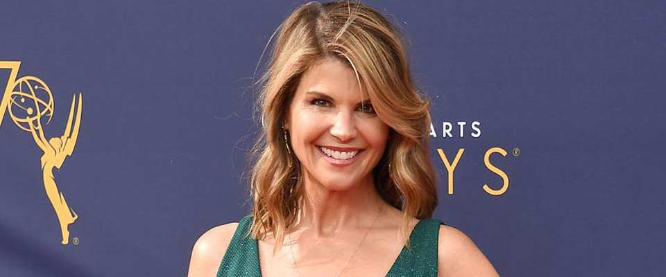 In College Bribery Scandal US Actress Lori Loughlin Confronts New Accusation