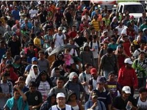 Thousands of Migrants Who are Expelled By Violence and Poverty March to Reach US